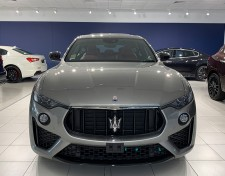 Maserati_dealership_parma_1